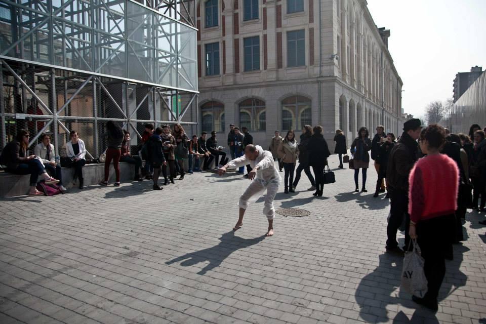 """Conférence performée, colloque """"Animer l'espace public une esthétique de l'éphémère ?"""" Saint-Etienne 2015. Photo : Egon Jazz"""