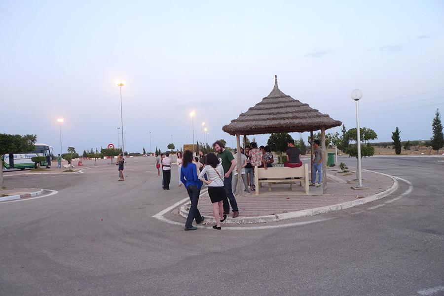 Entre Tunis et Gabès, une dernière pause pendant ces cinq bonnes heures de car.