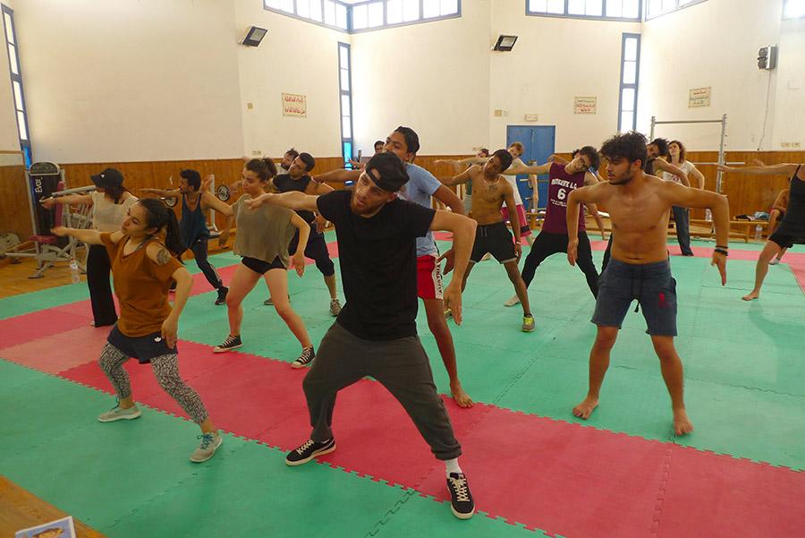 Cours de breakdance pour confirmés et débutants, histoire de bien finir la matinée.